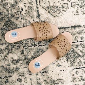 Jack Rogers Delilah beige nude slide sandals NEW!